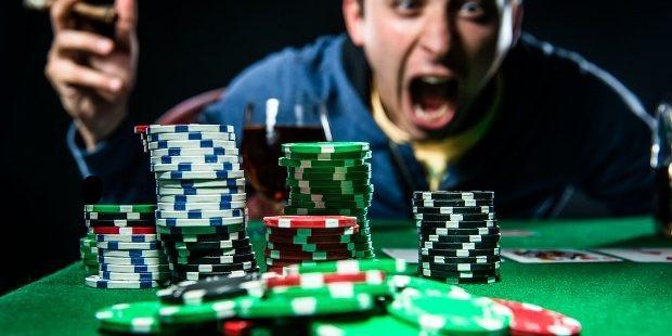 صحبت در حین بازی پوکر - نشانه های پوکر (Poker Tells) - چیتا بت