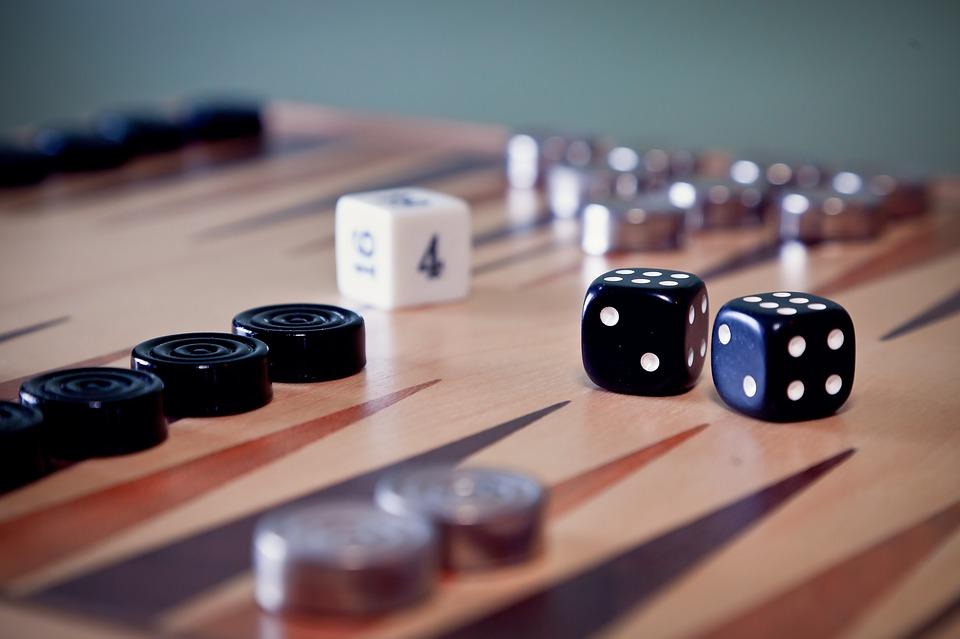 مقررات حرکت مهره ها در بازی تخته نرد