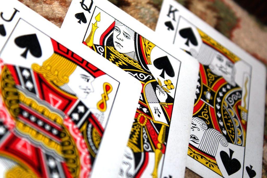 میزان شرط کوچک و بزرگ در بازی پوکر